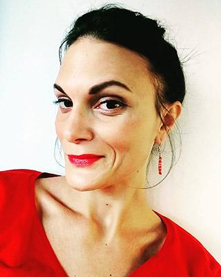 Portrait d'Anne-Claire Curtil pour ses accompagnement coaching pour vous permettre de renaître